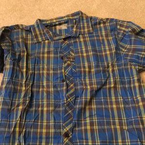 Under armor men's button up short sleeve shirt